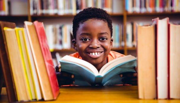 Em uma sociedade de analfabetos, ser inteligente na adolescência virou crime