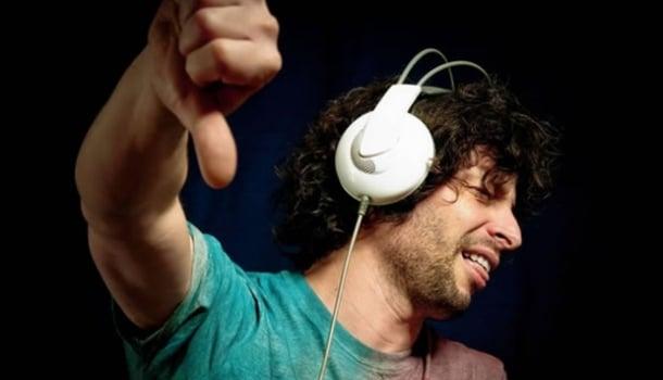 Os 40 piores cantores (as) da história da música brasileira