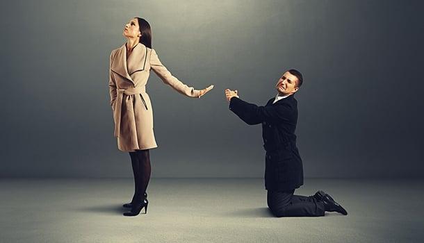 'Entre as diversas formas de mendicância, a mais humilhante é a do amor implorado'