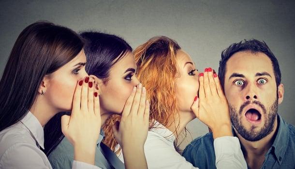 Fofoca é hábito de gente com problemas no espelho