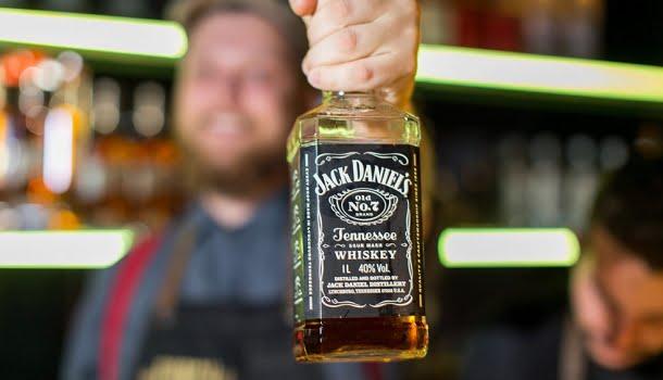 Como beber Jack Daniels