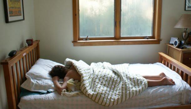 Estudo confirma que cochilar durante o dia reduz as chances de sofrer infarto e AVC