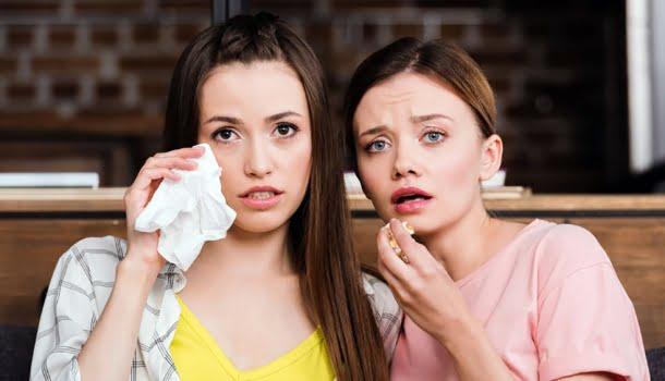 Pessoas que choram com filmes são emocionalmente mais fortes, aponta estudo