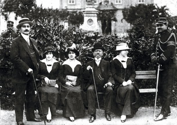 Rodrigues Alves e família