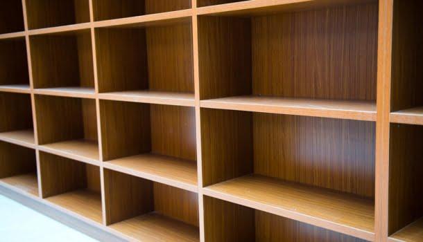 Quando a única coisa que evolui é o atraso: para incentivar a leitura no Brasil, governo quer aumentar o preço dos livros