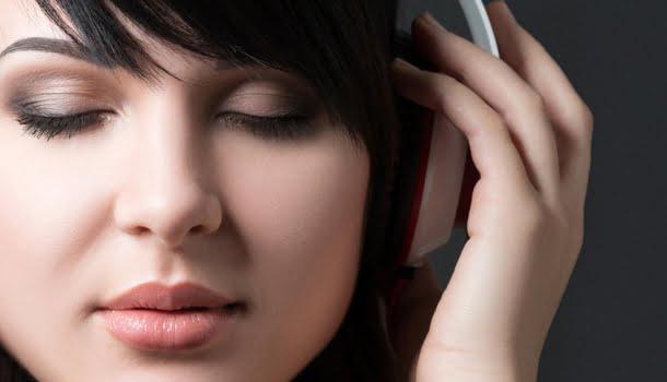 Universidade Johns Hopkins divulga playlist que pode ajudar a combater sintomas da depressão