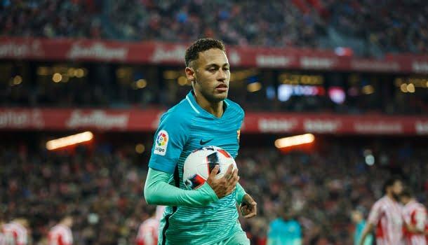 De menino a adulto, o curioso caso de indiferença entre a Bola de Ouro e Neymar