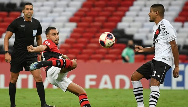 Futebol brasileiro começa a se modernizar e aumentam as parcerias com casas de apostas