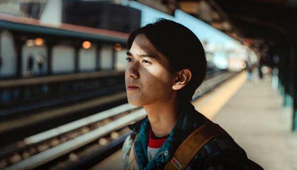 10 filmes alegres na Netflix para ajudá-lo a relaxar e descontrair em 2021