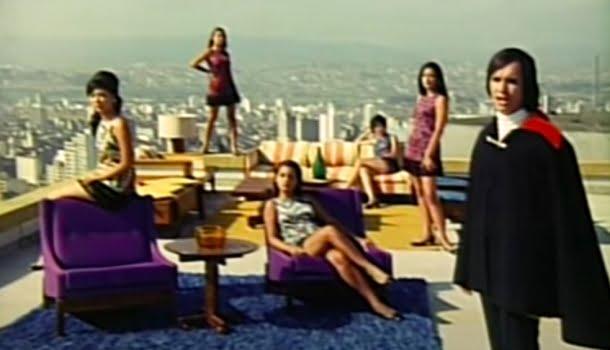 Roberto Carlos subiu no telhado dois anos antes dos Beatles