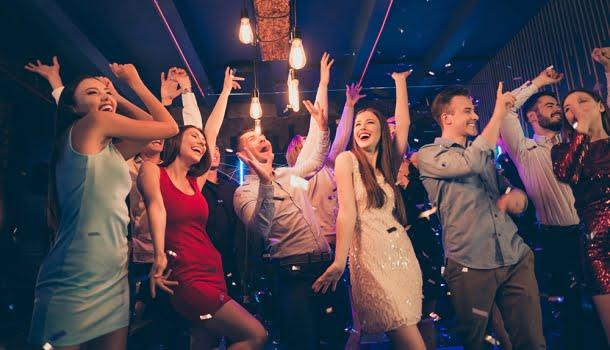 """Quando toca """"Wisky a Go Go"""", do Roupa Nova, é hora de dar o fora da festa"""
