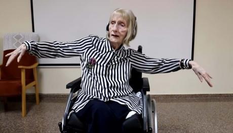 Bailarina com Alzheimer relembra passos de dança ao escutar música clássica
