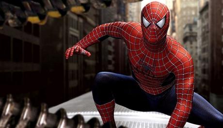 Homem-Aranha é um onanista maconheiro que vive com a tia