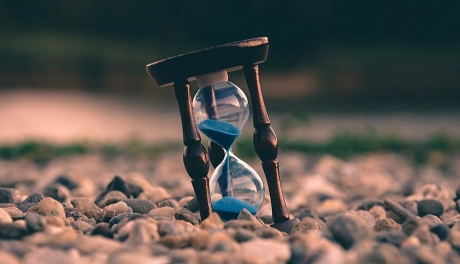 A matemática do tempo e a relativa percepção da passagem da vida